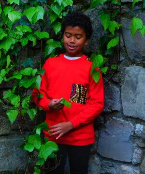 sudadera-artesanal de< niños-confeccionada-con-tejidos-africanos-por-maddisormena8